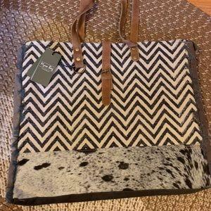 Myra Bag   Weekender Bag NWT